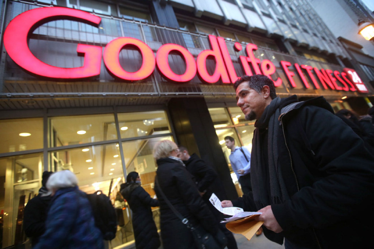 goodlife fitness personal trainer job review