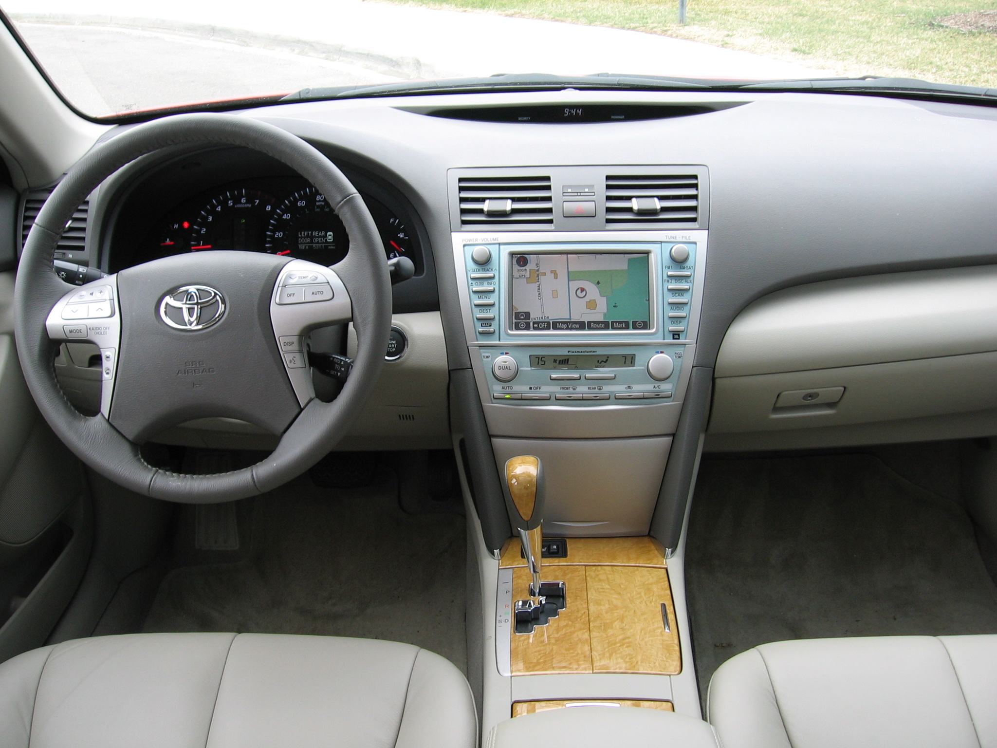 2007 toyota camry xle review