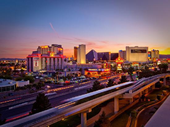 hooters casino hotel las vegas reviews