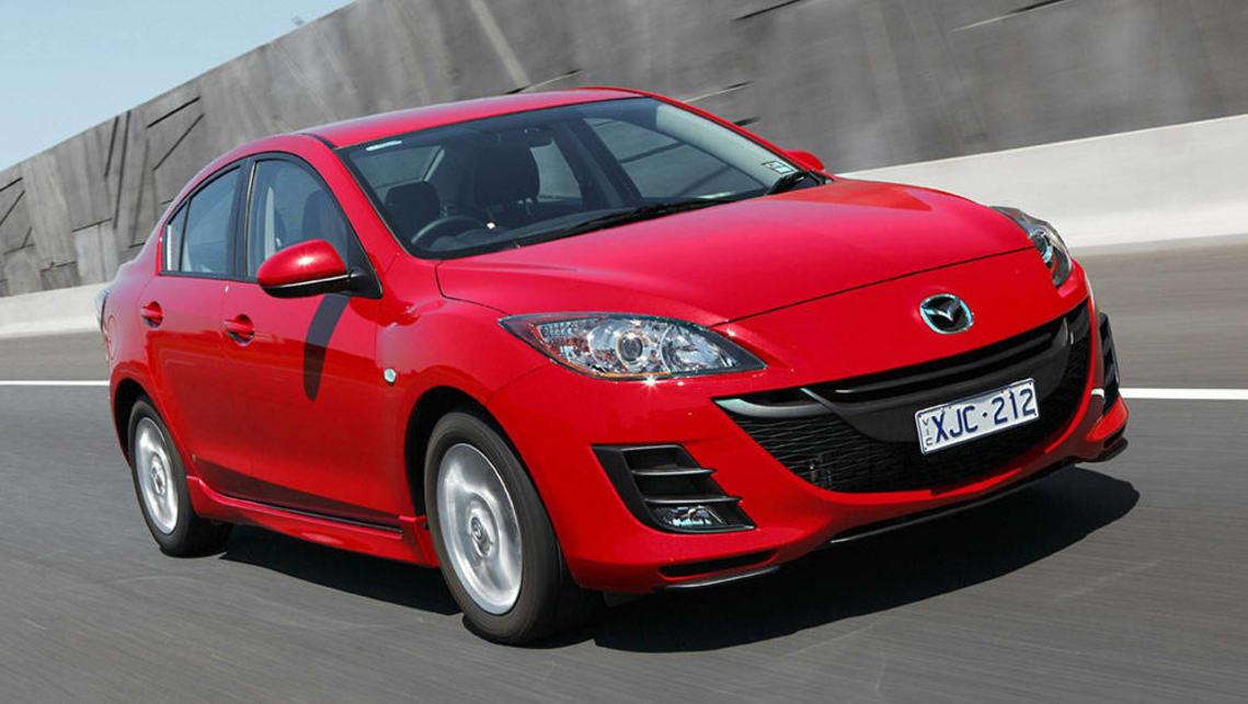 2013 mazda 3 sedan review